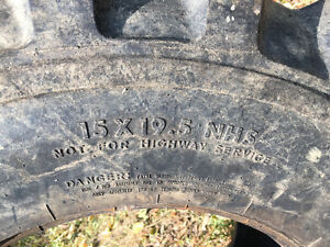 15 x 19.5 R4 Titan Industrial Tire Kingston Kingston Area image 3