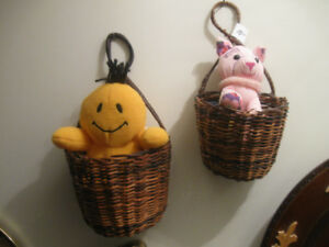 2 ADORABLE MATCHING WOVEN WALL HANGING BASKET POCKETS