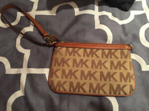 Michael kors wristlet wallet bag