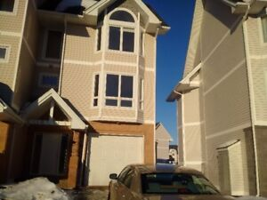 Townhome full house 3 bed huge kitchen garage $2300 780 880 2388