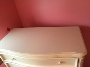Girls Ivory Bedroom Set!  NEW PRICE Again need gone asap!! Kawartha Lakes Peterborough Area image 2