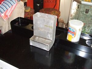 small animal / pet feeder.