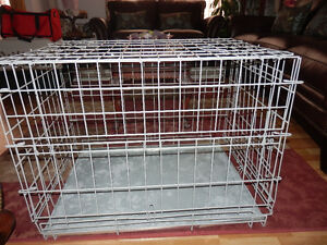 MEDIUM WIRE DOG KENNEL WITH TRAY