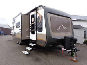 New Travel Trailer Clearance