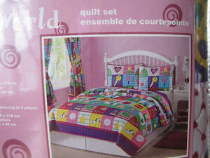 brand new never used twin girls quilt (includes 1 quilt, 1 pillo