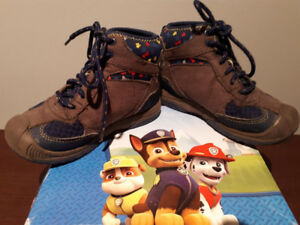 """""""PAW PATROL"""" HIKER BOOTS SIZE 10, GREY! GREAT CONDITION!"""