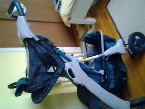 Stroller in excellant condition for sale. West Island Greater Montréal image 3