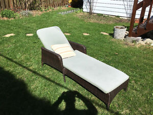 Chaise longue 180$