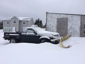 2005 Nissan Pathfinder XE Pickup Truck with PLOW