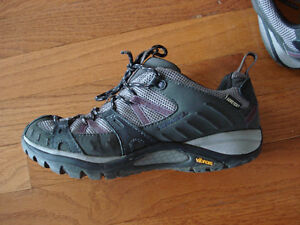 Merrell sporty shoes London Ontario image 3