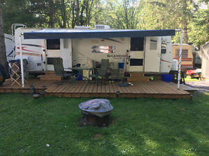 2007 Forest River Rockwood Ultralite Travel Trailer in Apsley