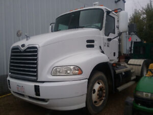 2006 Mack Day Cab Tandem Tractor
