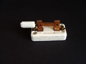 Snapit, 25A-125V, Cat: 2113 Knife Switch, White Porcelain