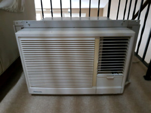 Air Conditioner - Window Unit