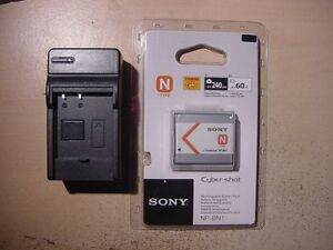 SONY NP-BN 1 LITHIUM CYBER SHOT BATTERY WITH HOUSE CHARGER-NEW