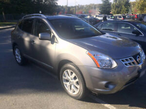 2013 Nissan Rogue, SV AWD, Black Leather Seats, Fully Loaded!