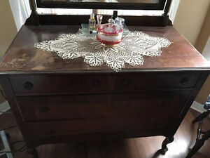 Period piece - Ladies Dresser BO
