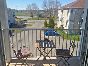 2 bedroom condo in Vaudreuil-Dorion for sale