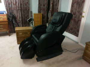 RT6291 massage chair - Hardly used!