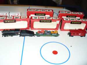 Vintage 1970s Tyco HO Train Set Pennsylvania Locomotive