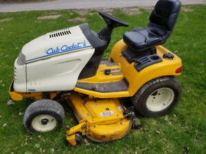 Cub Cadet 3206 Riding Mower