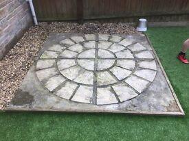 Decorative paving circle