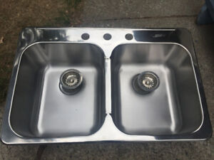 Double sink 14x16x7 1/4 New