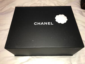Chanel Purse Authentic Pre-Owned for Sell 3000$