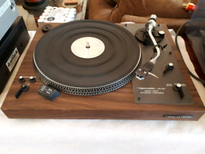 Realistic LAB 400 direct drive turntable