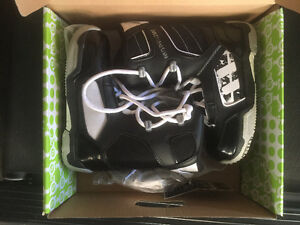 Snowboard boots Snowboard bindings size 5-8 sold separately