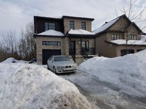 Visite Libre ** Belle maison à vendre  à Saint-Jérôme