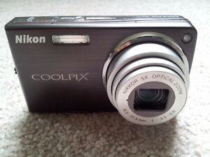 Like New Nikon Coolpix S550 10MP Digital Camera
