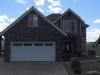 Like new home overlooking 17th green for Sale
