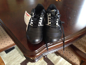 Cleats new size 9 Prince George British Columbia image 1
