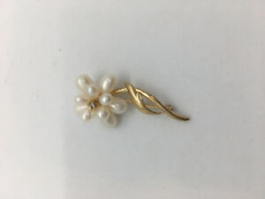 Natural Pearl Brooch Pin