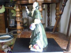 "Royal Doulton Figurine - "" Christmas Parcels "" HN 2851 Kitchener / Waterloo Kitchener Area image 4"