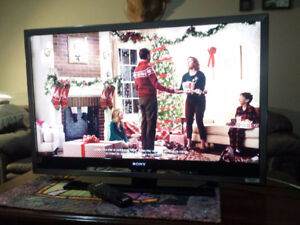 40''SONY 1080p lcd TV /PERFECT PIC/GOOD COND./REMOTE/ ANTENNA