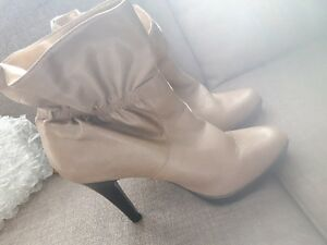 New or gently used shoes, boots, sandles Gatineau Ottawa / Gatineau Area image 4
