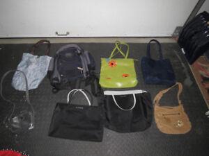 Sacs et sacs à main - 2$ chacun - très propre
