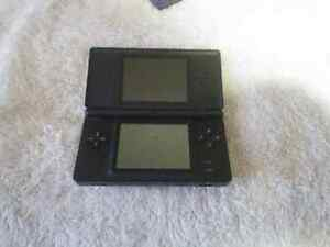 Nintendo DS Lite + transparent shell + carrying pouch