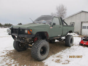 MUD TRUCK 1987 Toyota Tacoma rolling chasis