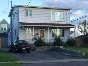 GREAT INVESTMENT LEGAL DUPLEX WITH SEPARATE METERS
