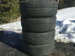 Four Michelin 235/55R17 Summer Tires