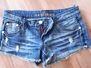 Almost Famous Shorts Size 7
