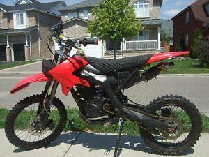 250cc Red Gio dirt bike for sale in brampton 416-919-4765