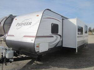 2014 Heartland Pioneer 30QB Travel Trailer ***QUAD BUNKS*** London Ontario image 2