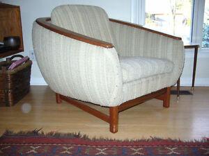 R.Huber & Co  Mid Century Modern Lounge Chair
