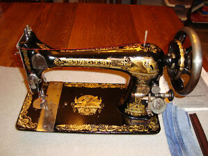 VINTAGE 1896 SINGER MODEL 27 SEWING MACHINE