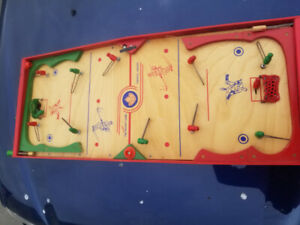 Munro Canada Table Top Hockey Game  Toronto Canada MINT CONDITIO