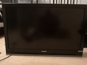 "Toshiba 42HL57 42"" LCD TV - With Stand"
